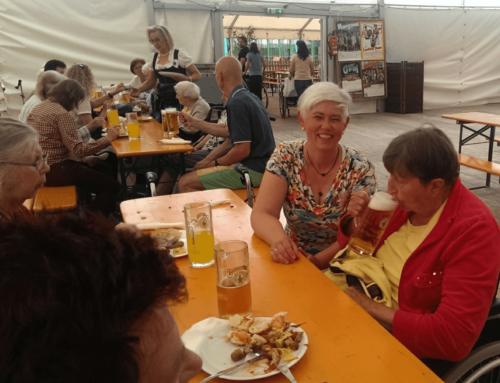 Hausgemeinschaften besuchen das Bayreuther Volksfest